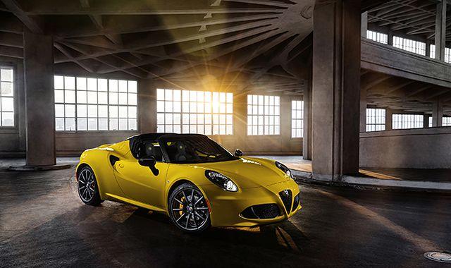 Alfa Romeo 4C Spider: emocjonująca propozycja na lato