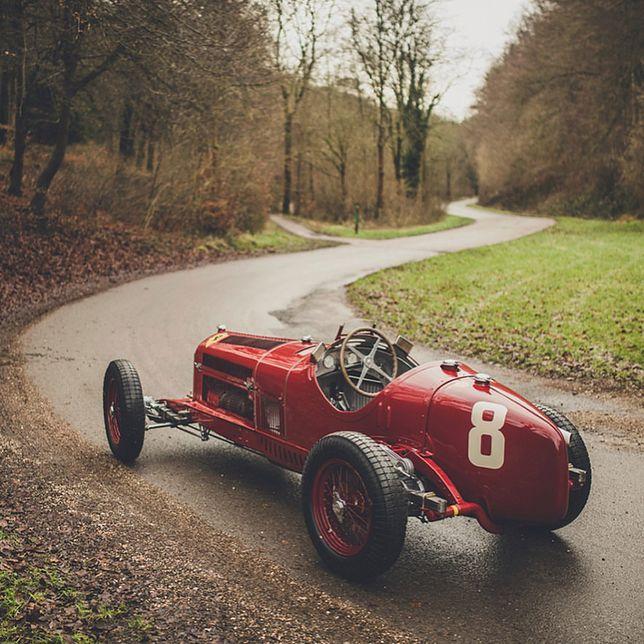 Amy Shore - ta kobieta wie, jak fotografować klasyczne auta