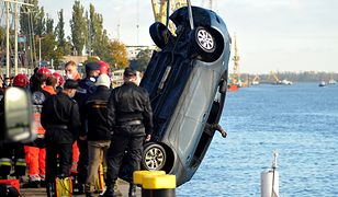Szczecin. Samochód wpadł do Odry. Tragedia przy Wałach Chrobrego