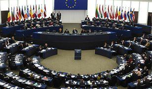 Sondaż na zlecenie Parlamentu Europejskiego. Wiosna daleko za Platformą