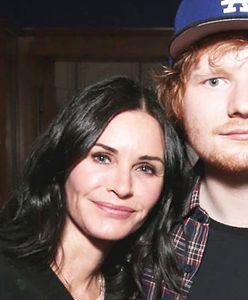 """Oczy bolą. Gwiazda """"Przyjaciół"""" i Ed Sheeran razem w tańcu"""