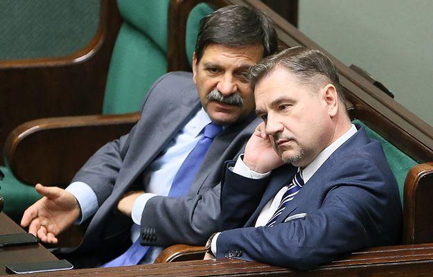 Piotr Duda na sali sejmowej (z Januszem Śniadkiem)
