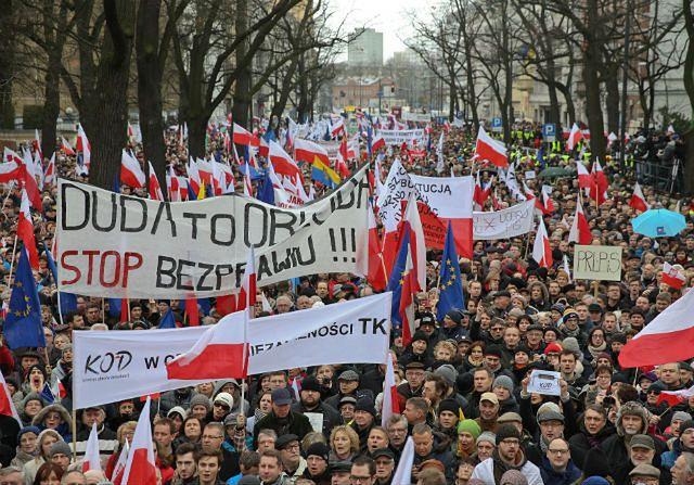 """""""Obywatele dla demokracji"""". Demonstracja przed TK"""