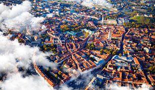 Przepiękne Stare Miasto w Wilnie zajmuje trzykrotnie większą powierzchnię niż imponująca krakowska Starówka