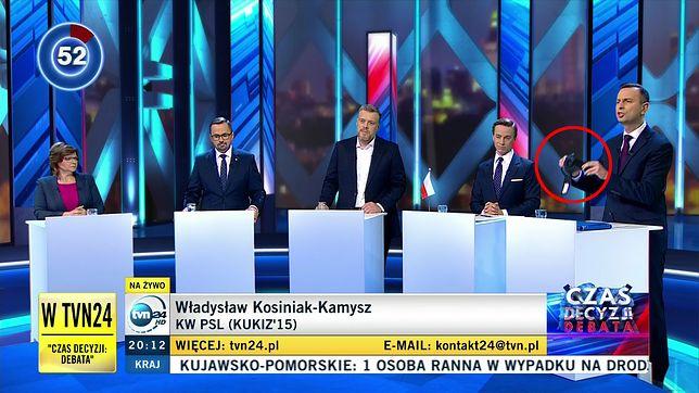 Wybory parlamentarne 2019. Debata w TVN24. Szef PSL pokazał rekwizyt