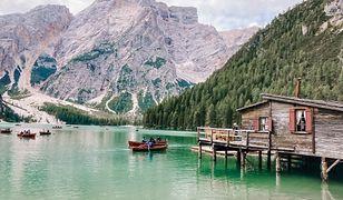 Włoski odpowiednik Morskiego Oka. Poznaj najczęściej fotografowane jezioro w Europie