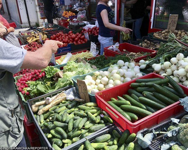 Wiadomo, gdzie kupować warzywa. W dyskontach wcale nie jest najtaniej