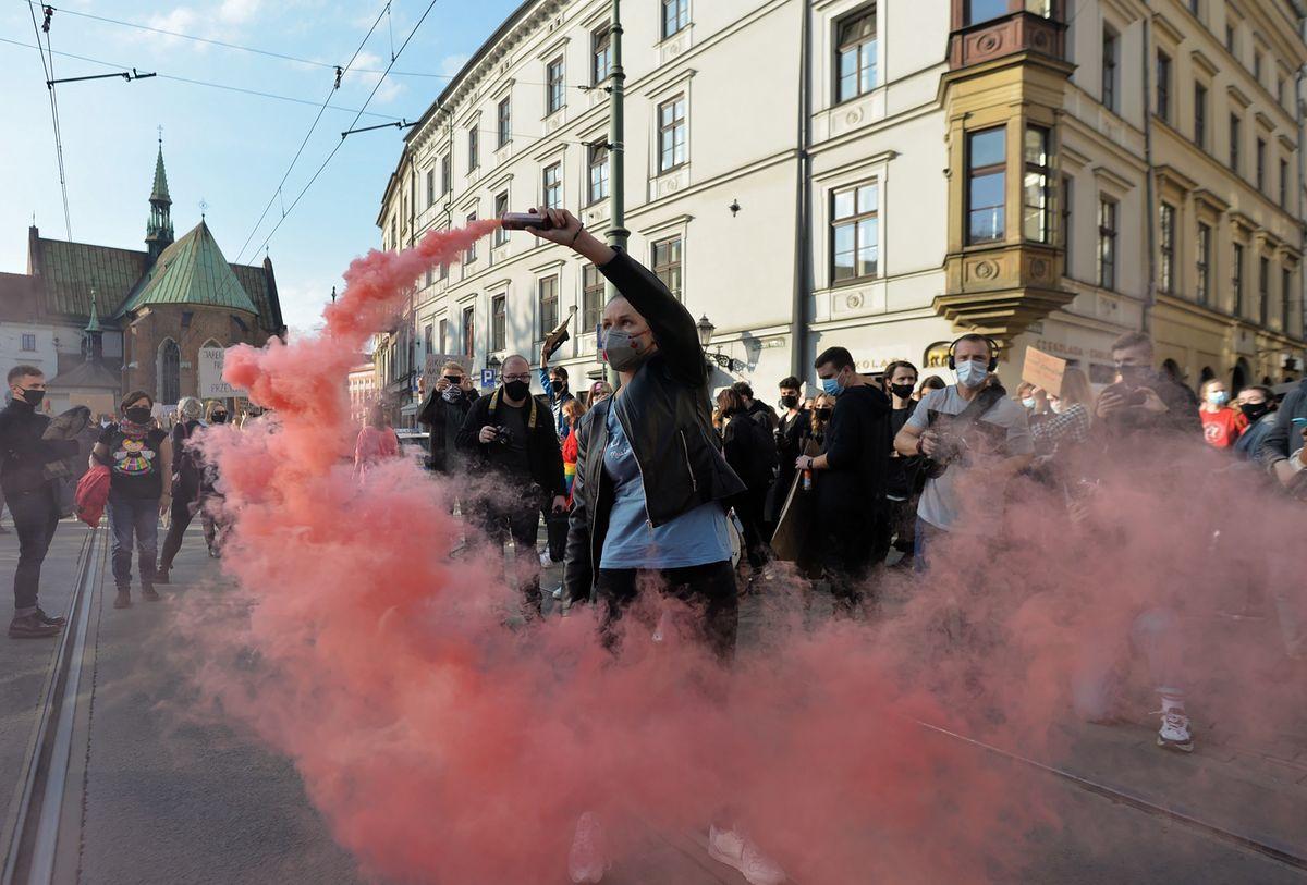 Strajk kobiet. Od kilku dni tysiące ludzi na ulicach