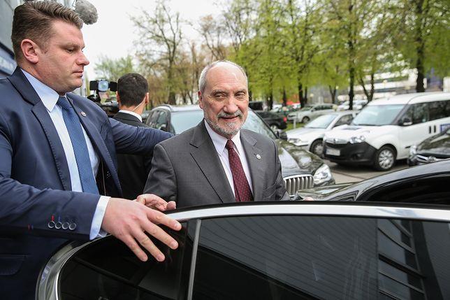 Względy personalne muszą ustąpić racjom merytorycznym - stwierdził Antoni Macierewicz.