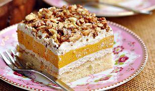 Ciasto z kremem dyniowym i orzechową posypką
