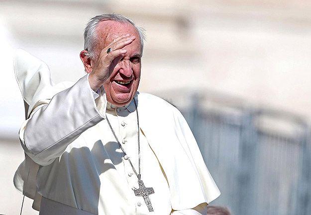 Papież: konsumpcjonizm i relatywizm to rak społeczeństwa