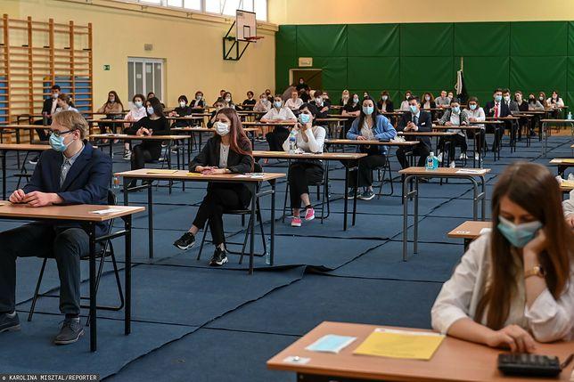 We wtorek odbywają się egzaminy maturalne z matematyki na poziomie rozszerzonym i z WOS-u