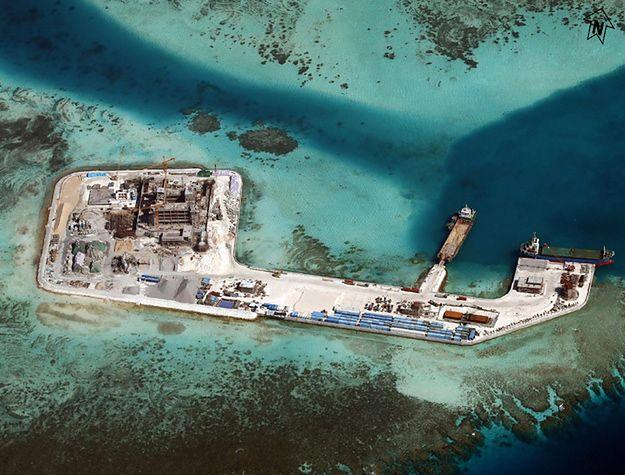 Budowa na jednej z wysp w archipelagu Spratly