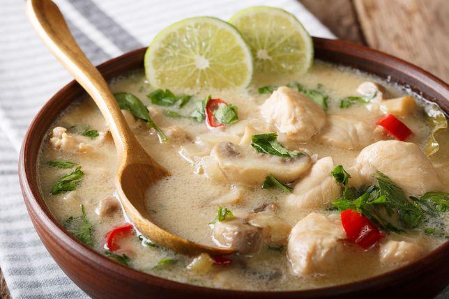 Zupa tom kha gai to tradycyjna tajska potrawa