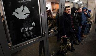 """Teatr Powszechny apeluje o zaprzestanie mowy nienawiści ws. """"Klątwy"""""""