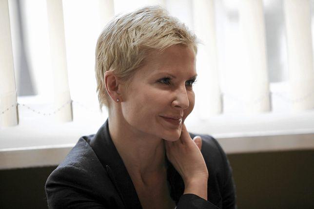 Joanna Racewicz pochodzi z Hrubieszowa, mieszka i pracuje w Warszawie