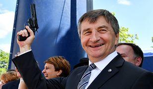 Marszałek Marek Kuchciński to w Sejmie prawdziwy straszak na opozycję