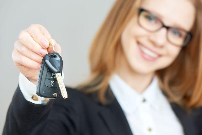 Czy komornik może zająć samochód za długi?