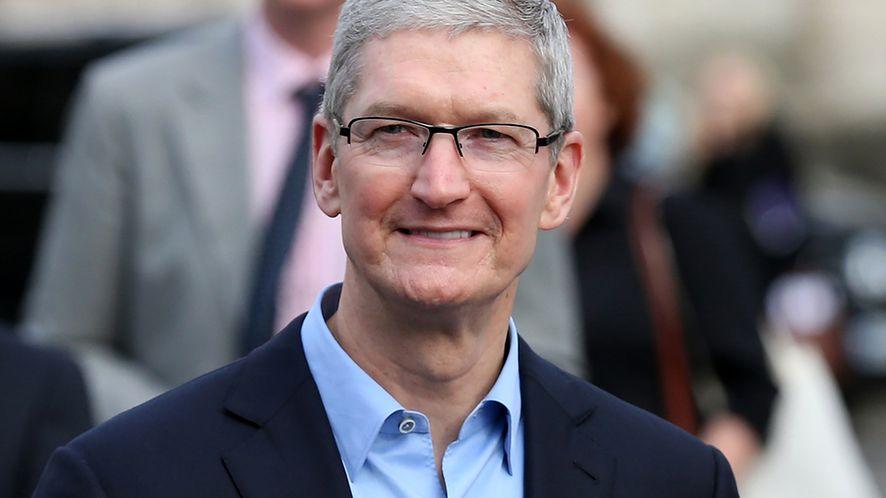 Tim Cook wierzy, że iPhone 11 i przemyślane usługi to autostrada do sukcesu, fot. Shutterstock.com