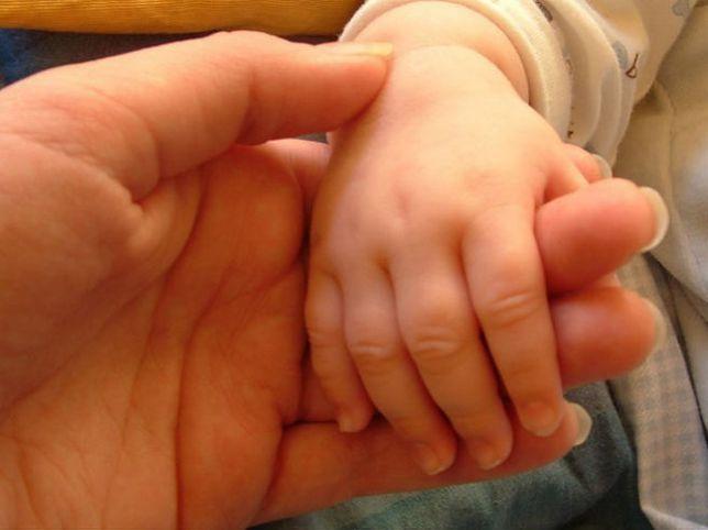 22-miesięczne dziecko walczy o życie. Zostało pobite?