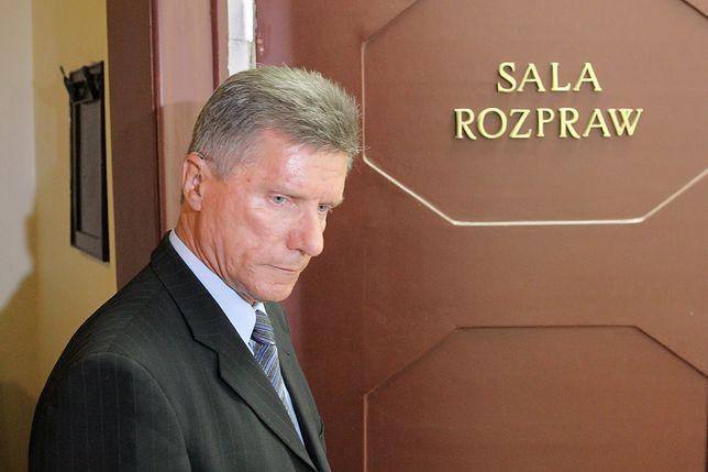 """Oskarżony o gwałt Małkowski walczy o fotel prezydenta Olsztyna. """"Do tej pory słyszę jego głos"""""""
