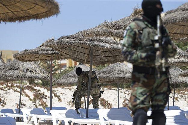 Bliscy brytyjskich ofiar zamachu z Tunezji pozwą biuro podróży