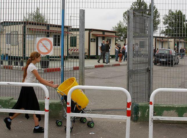 Sponsorowany przez władze obóz dla Romów na obrzeżach Rzymu