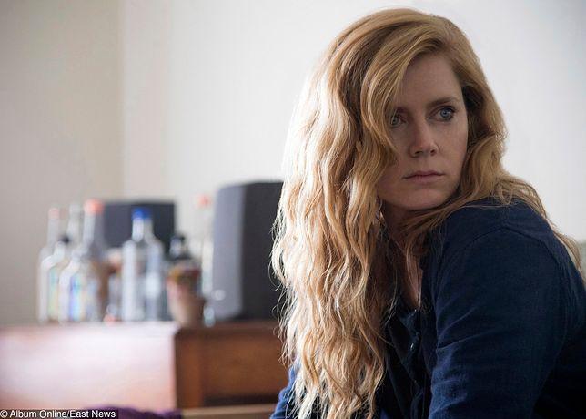 """""""Ostre przedmioty"""": hipnotyzujący serial HBO"""
