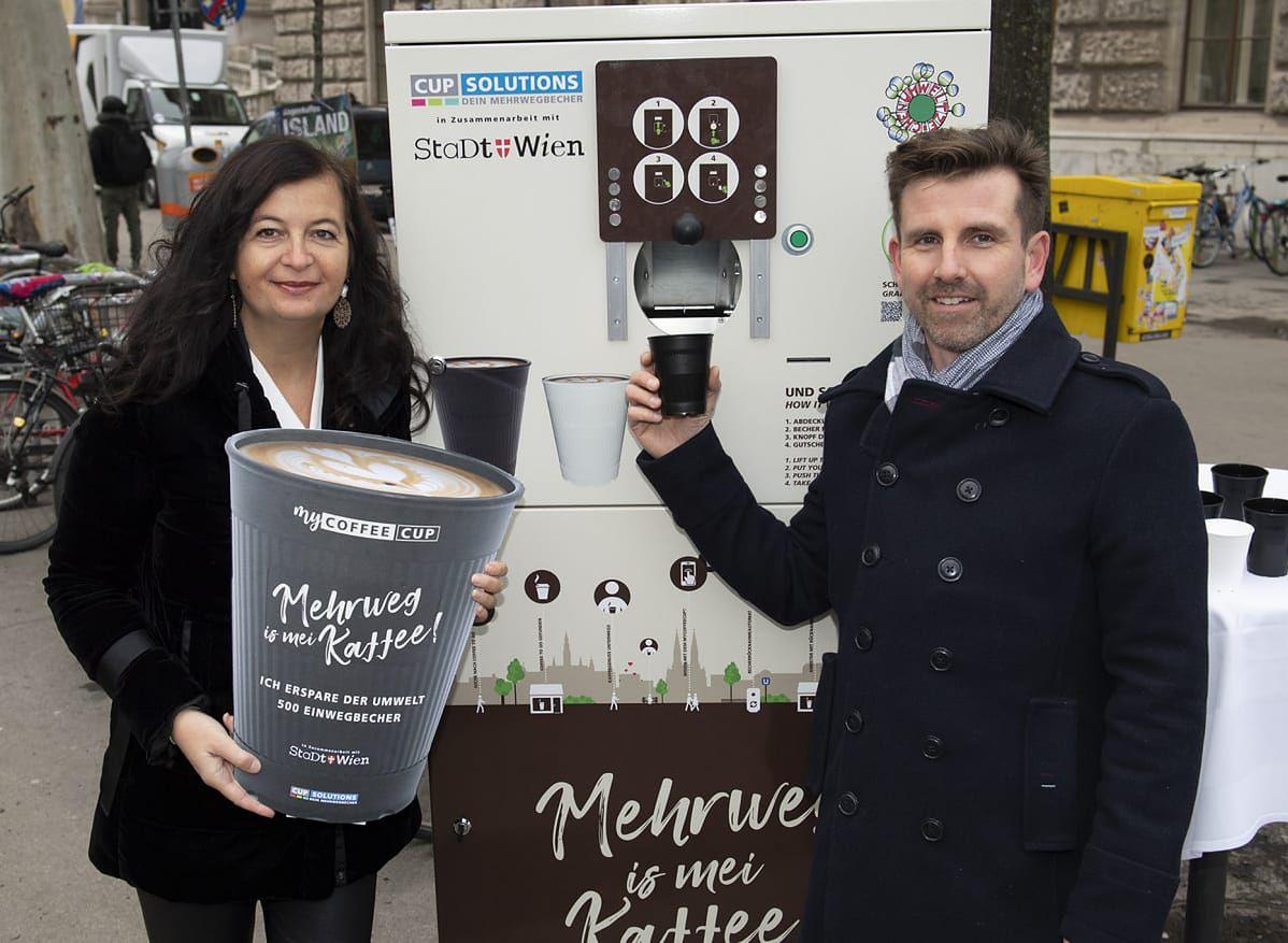 Wypij kawę, a automat przyjmie kubek z powrotem. Ekologiczny pomysł prosto z Austrii