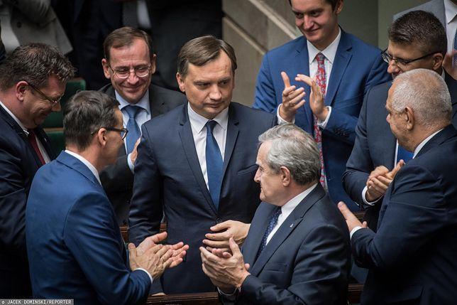Zbigniew Ziobro i Jarosław Gowin coraz silniejsi w obozie prawicy.