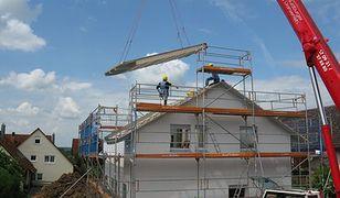 Kiedy trzeba zacząć budować dom na kupionym gruncie, aby skorzystać z ulgi podatkowej?