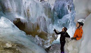 Zamarznięta Ściana - Gefrorene Wand - widziana z Naturalnego Lodowego Pałacu pod lodowcem Hintertux