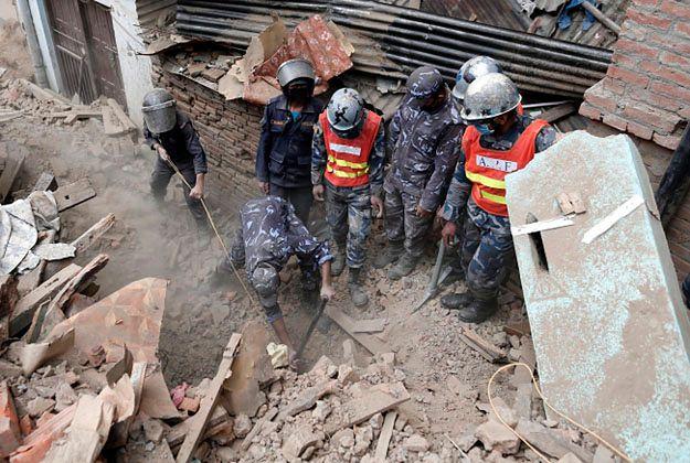 Nepalczyk uratowany 80 godzin po trzęsieniu ziemi