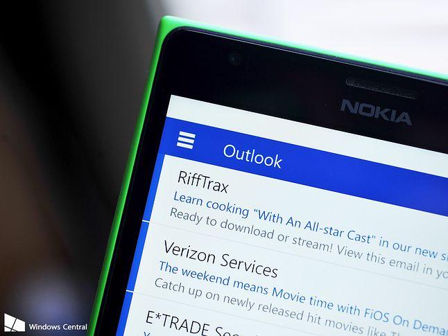 Poczta Windows 10. Hamburger menu oznacza kalkę Androida