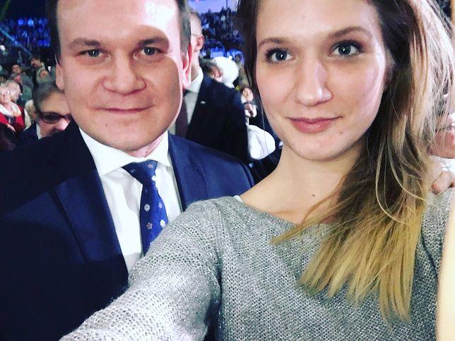 Nasza reporterka, Karolina Rogaska z posłem PiS Dominikiem Tarczyńskim