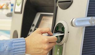Przerwy w działaniu banków w weekend. Część kart debetowych nie będzie działać