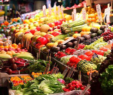 Zakupy żywności Polacy coraz chętniej robią w internecie.