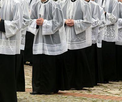 Księża, którzy na boku kręcą biznesy, działają niezgodnie z prawem kanonicznym. Mogą być wykluczani ze stanu duchownego