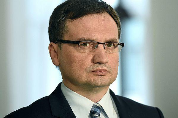 """""""Polityka"""" nie musi przepraszać Zbigniewa Ziobry za tekst """"Jak PiS zbierał haki"""""""