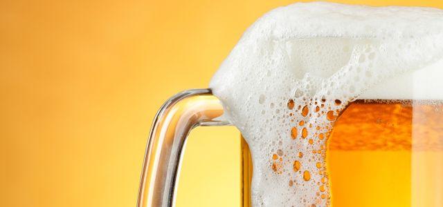 Chrzczone piwo? Browary się bronią