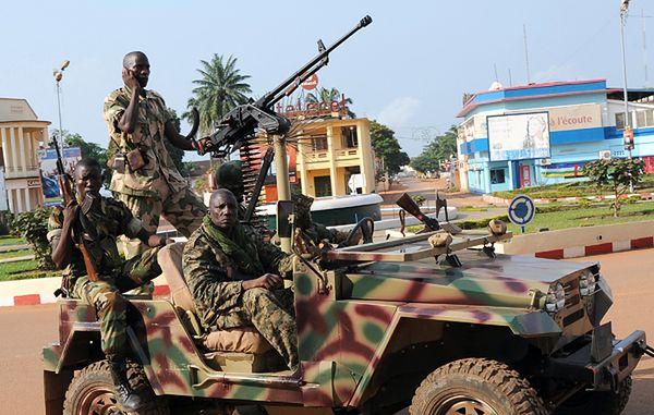 Żołnierze na ulicach Bangi