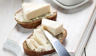 Czy ser topiony to w ogóle ser? Sprawdziliśmy, co w nim znajdziemy