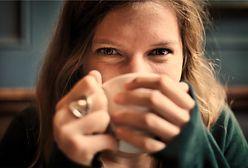 Kiedy najlepiej pić kawę? Dietetyczka zdradza, że picie kawy o poranku może zaszkodzić