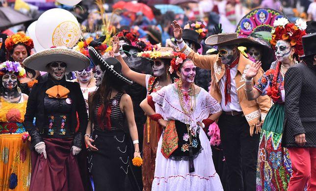 Wspominanie zmarłych w Meksyku to nie tylko czas zadumy, ale i radości