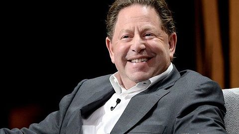 Szef Activision idzie pod prąd. Spółka robi zwolnienia grupowe, a on sam wypłaca sobie miliony