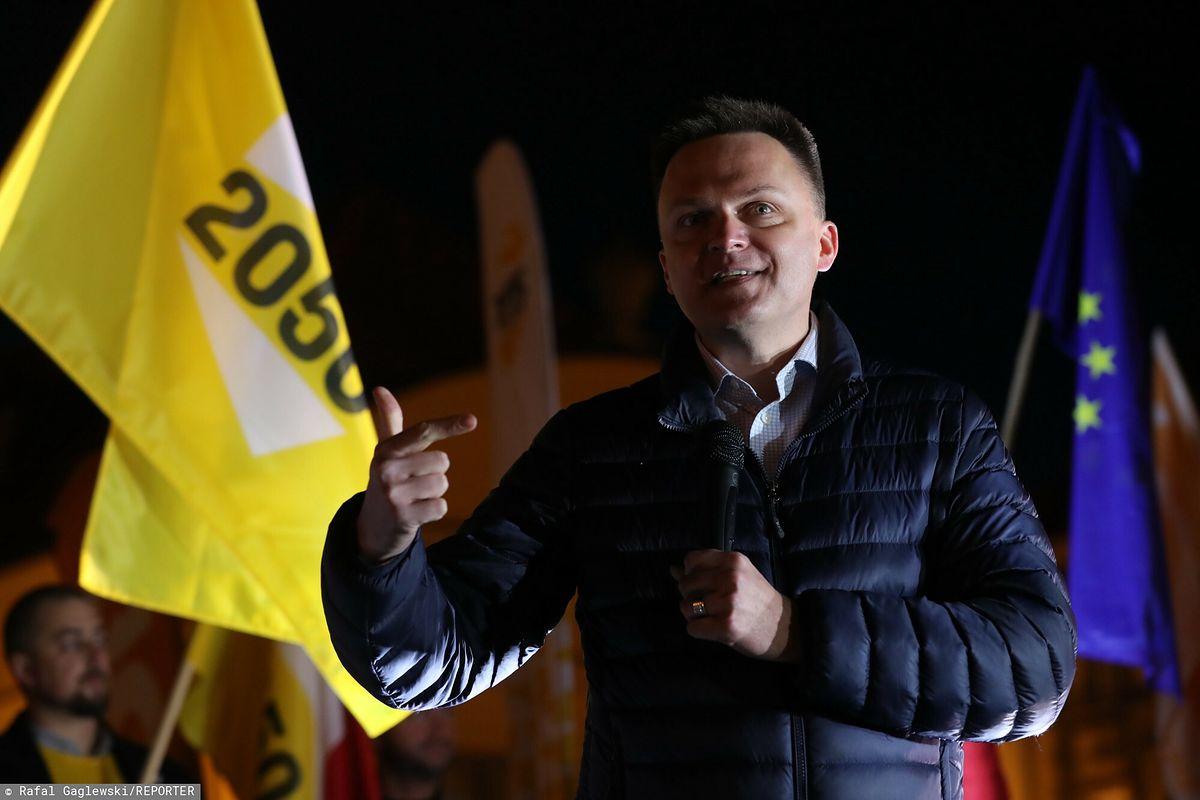 Wiec w Warszawie bez Szymona Hołowni. Lider Polska 2050 tłumaczy
