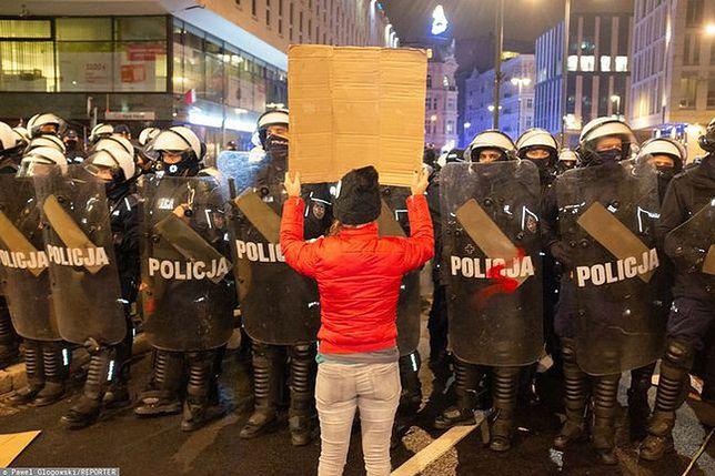 Strajk Kobiet w Warszawie. Zatrzymania po proteście przed TVP