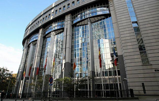 Jeden ze zwolnionych kierowców pracował w PE w Brukseli
