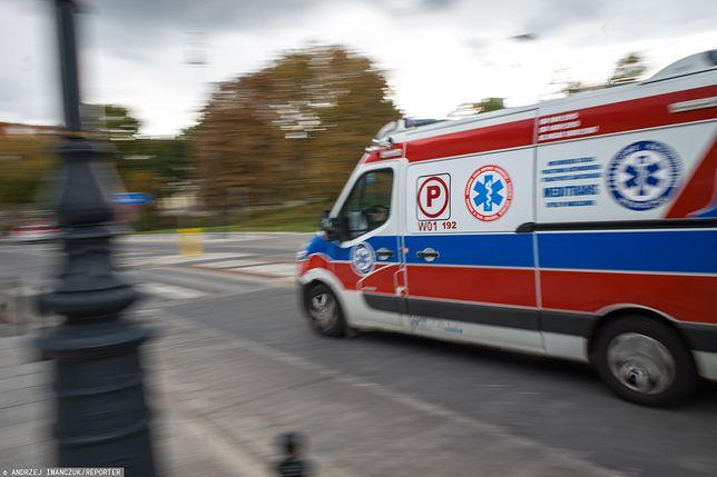 Radom. Motocyklista uderzył w ludzi na przystanku autobusowym