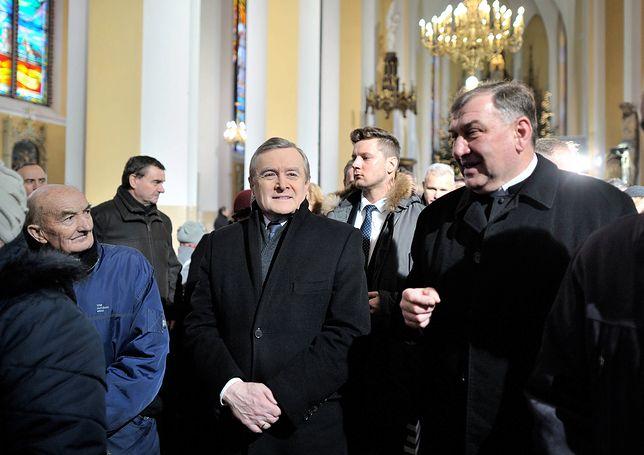 """Duchowny dostał awans generalski. Gwiazdka """"za wierność"""""""